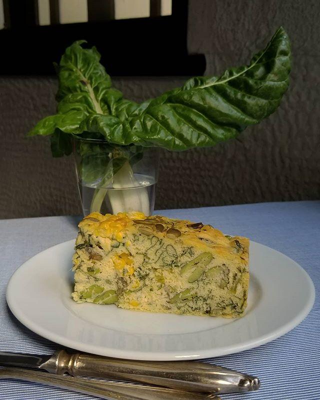 葉菜と実菜のケークサレふだん草(後ろ)とそら豆とコーン 香草風味 乳製品不使用 #ケークサレのベジ #ひなぎくきつね #cakesalevegetarian