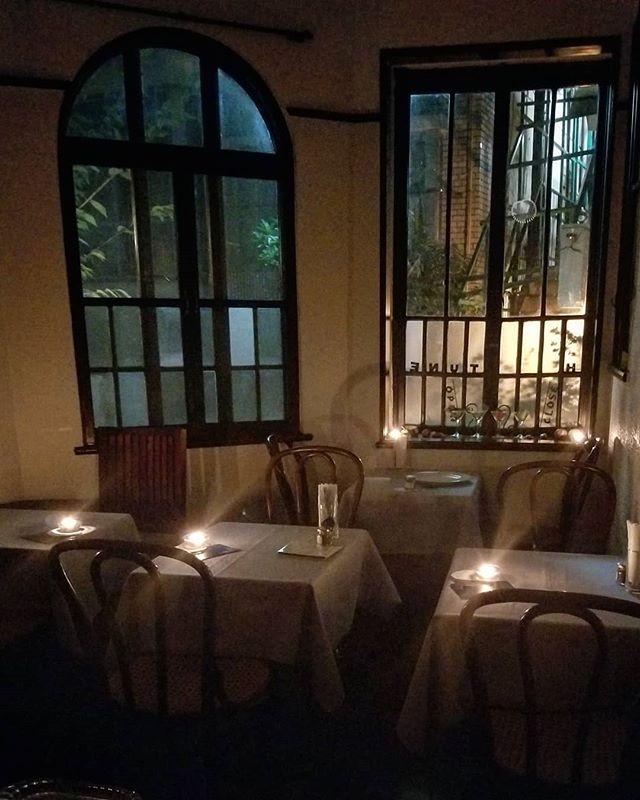 夕方の #ひなぎくきつね #菓子と花と光と影と #lightandshadowcafe