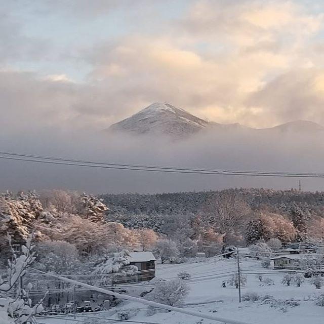上機嫌の朝日 のご報告まで順に北方向八ヶ岳 東の東京方向 南の甲斐駒ヶ岳 #八ヶ岳の空機嫌 #ひなぎくきつね