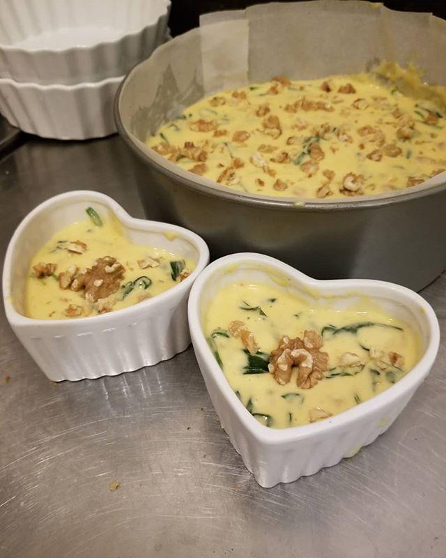 ひよこ豆とほうれん草のカレー風味ケークサレ(ドンキ版) #ケークサレベジ #ひなぎくきつね #cakesalevegetarian